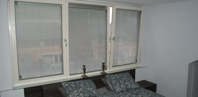 Slaapkamer Zonwering : slaapkamer met dakkapel zonwering tussen glas ...