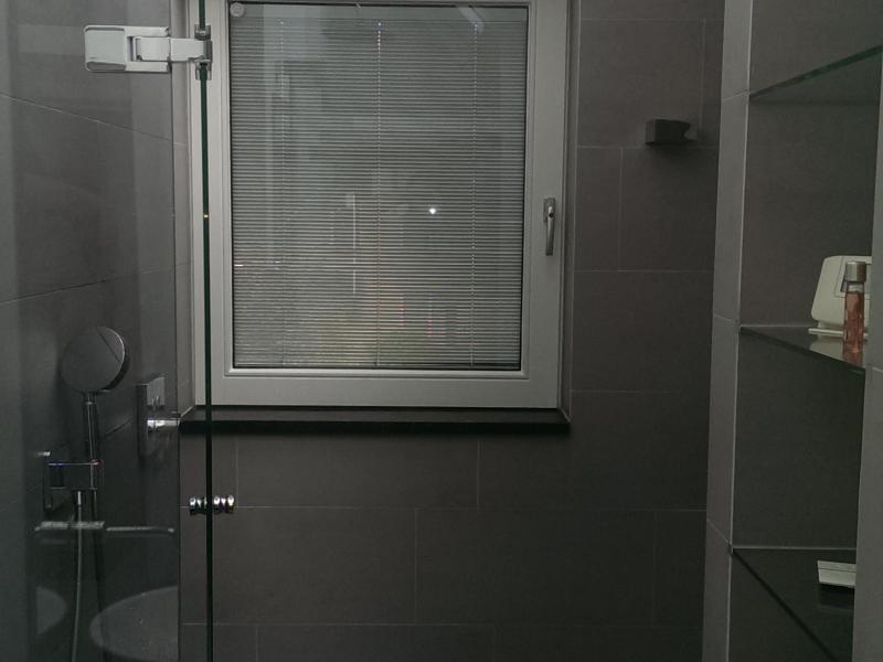Hygiënische oplossing voor de badkamer | Pilkington Nederland